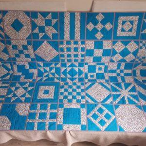 Последний стежок на моё первое лоскутное одеяло положен! — Александра Котова
